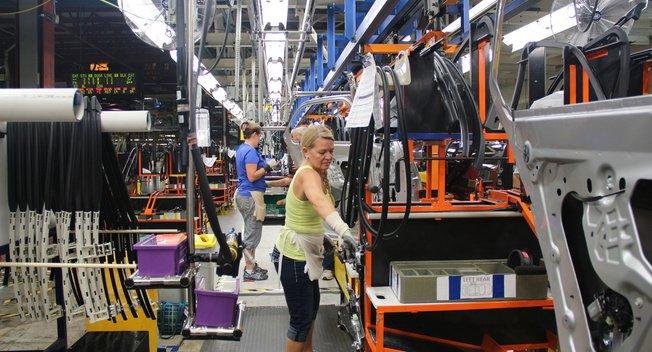 GM hứa hẹn cung cấp 7.000 việc làm ở Mỹ trong những năm tới