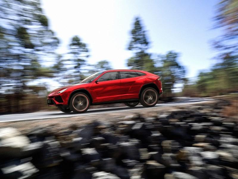 Lamborghini Urus lần đầu chạy thử nghiệm