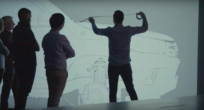 Toyota hợp tác với hãng đồ chơi xe phát triển xe bán tải