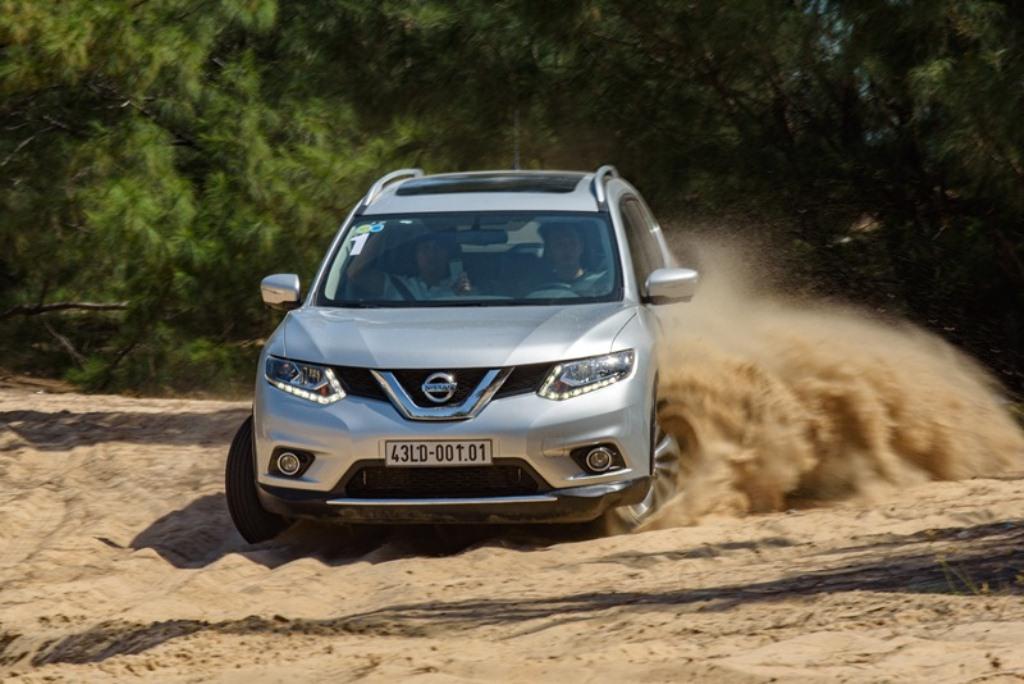 Mua Nissan X-Trail nhận ưu đãi 100 triệu đồng