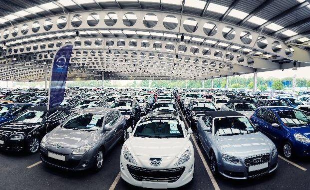 Thuế xe hơi về 0%: Giá giảm đến đâu khách mới xuống tiền?