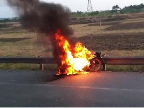 Những thao tác đơn giản tránh xe bỗng dưng... bốc cháy