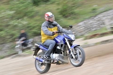 Bí kíp lái xe máy giỏi