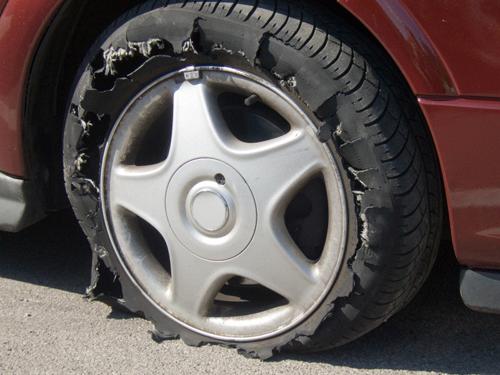 Xử lý 10 sự cố hay gặp khi lái xe