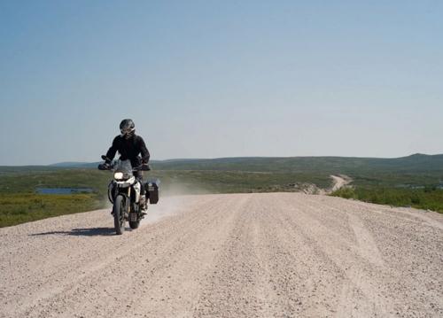 Cách ngồi thoải mái khi đi xe máy đường dài
