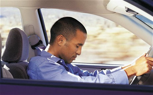Mẹo chống buồn ngủ khi lái xe