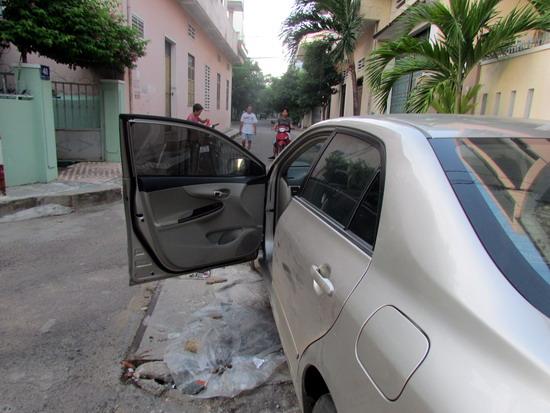 Tư vấn: Mở cửa ô tô bị va chạm thì lỗi do ai?