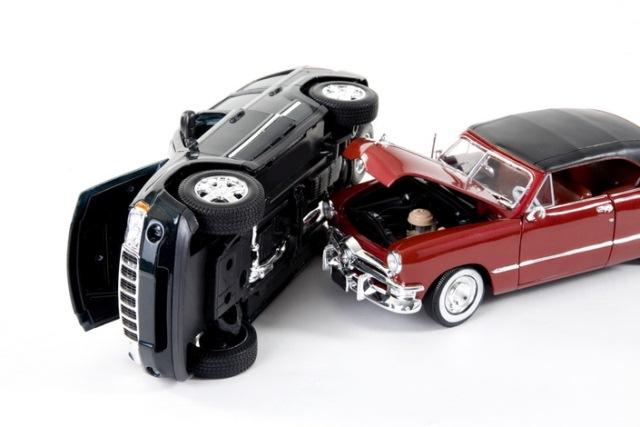 Tư vấn: Xe bị nạn có được đổi địa điểm sửa chữa khác với nơi mà công ty bảo hiểm chỉ định không?