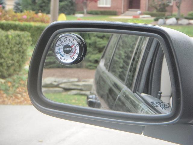 8 thói quen lái xe tưởng chừng vô nghĩa