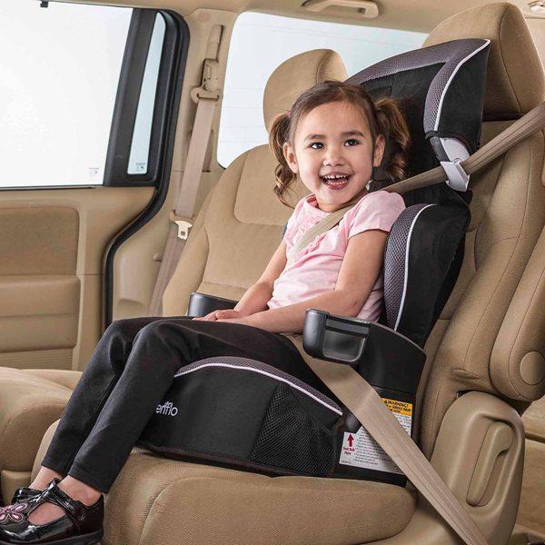 Bí kíp giữ những đứa trẻ ngoan ngoãn trong xe