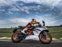 KTM RC 390 2015: Honda CBR300R và Kawasaki Ninja 300 hãy dè chừng