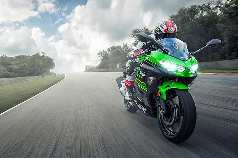 Kawasaki ra mắt Sport City Ninja 400 2018, mô tô dành cho tân binh