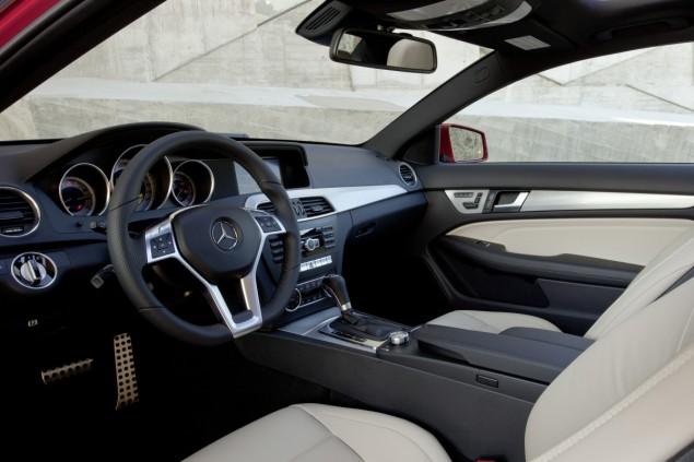Mercedes-Benz hỗ trợ 5% phí trước bạ cho khách hàng