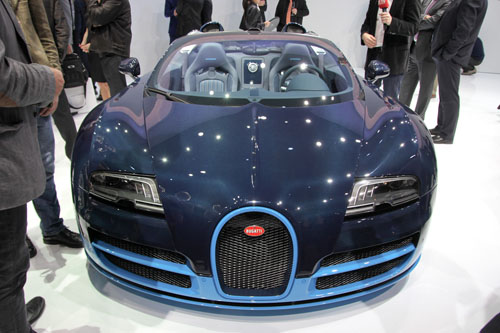 video m i nh t c a bugatti veyron grand sport vitesse cafeauto vn. Black Bedroom Furniture Sets. Home Design Ideas