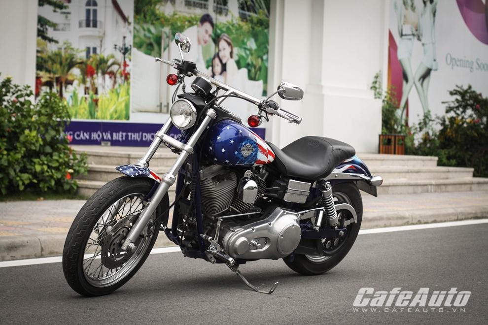 """Ngắm """"hàng thửa"""" Harley Super Glide 100th trên đường phố Hà Nội"""