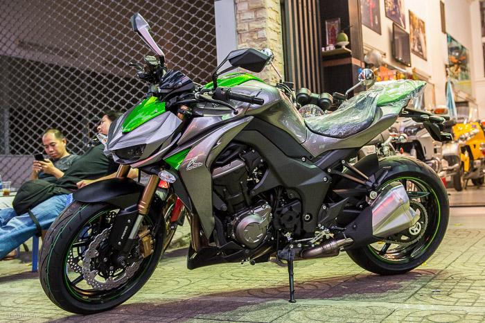 Kawasaki Z1000 2014 đầu tiên về Việt Nam - CafeAuto.Vn