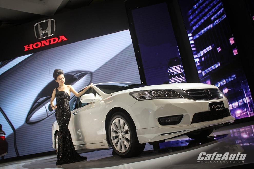 Mới ra mắt, Honda Accord đã cháy hàng