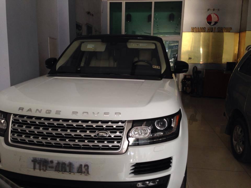 Loạt xe Range Rover LWB giá gần 10 tỷ sắp về Việt Nam