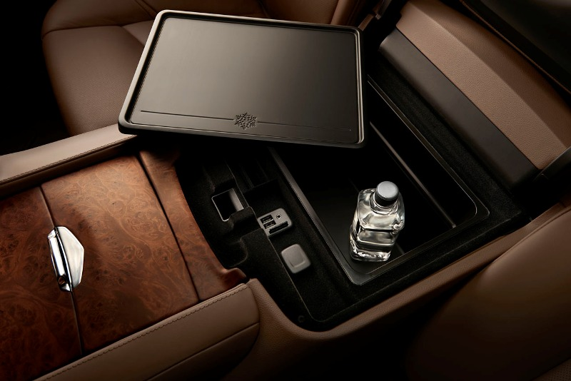 2015cadillacescaladeplatinum0091 1407857792 Cận cảnh Cadillac Escalade 2015 nâng cấp mạnh về tiện nghi