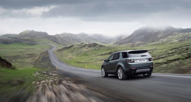 landroverdiscoverysport11 653 1409756697 Bất ngờ sau rò rỉ Land Rover Discovery Sport 2015 lộ diện ảnh thực chi tiết