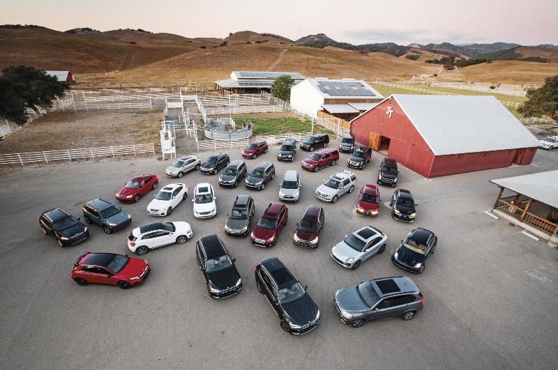 2015motortrendsuvoftheyeargroupshot02 1413476669 Honda CR V là xe SUV của năm