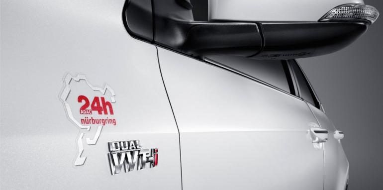 xtoyotacorollanurburgringedition3pagespeedicnkao5d2a gggsncvbgh 1427118899 Hãng xe Toyota ra mắt Corolla Altis phiên bản đặc biệt Nurburging 24hr tại Thái Lan