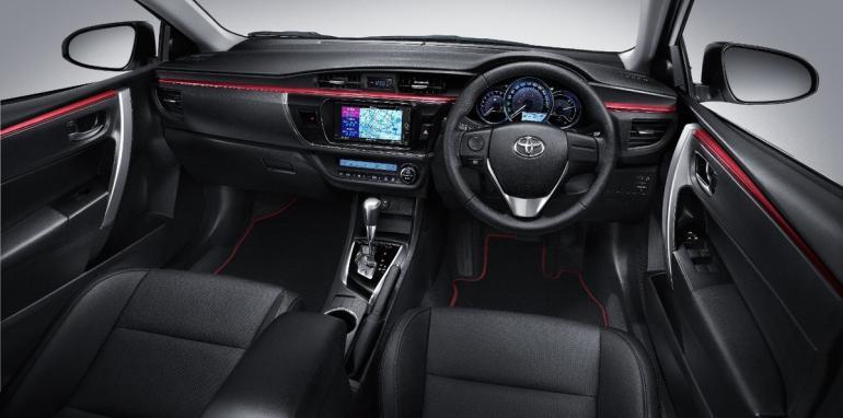 xtoyotacorollanurburgringedition5pagespeedicf hg6zbkfebvvfgy3ojq 1427118885 Hãng xe Toyota ra mắt Corolla Altis phiên bản đặc biệt Nurburging 24hr tại Thái Lan