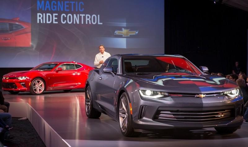 1 1431943110 Ngắm nhìn siêu cơ bắp Chevrolet Camaro 2016 chính thức trình làng