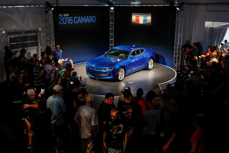 3 1431943175 Ngắm nhìn siêu cơ bắp Chevrolet Camaro 2016 chính thức trình làng