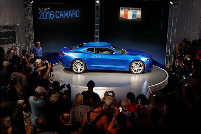 4 1431943187 Ngắm nhìn siêu cơ bắp Chevrolet Camaro 2016 chính thức trình làng