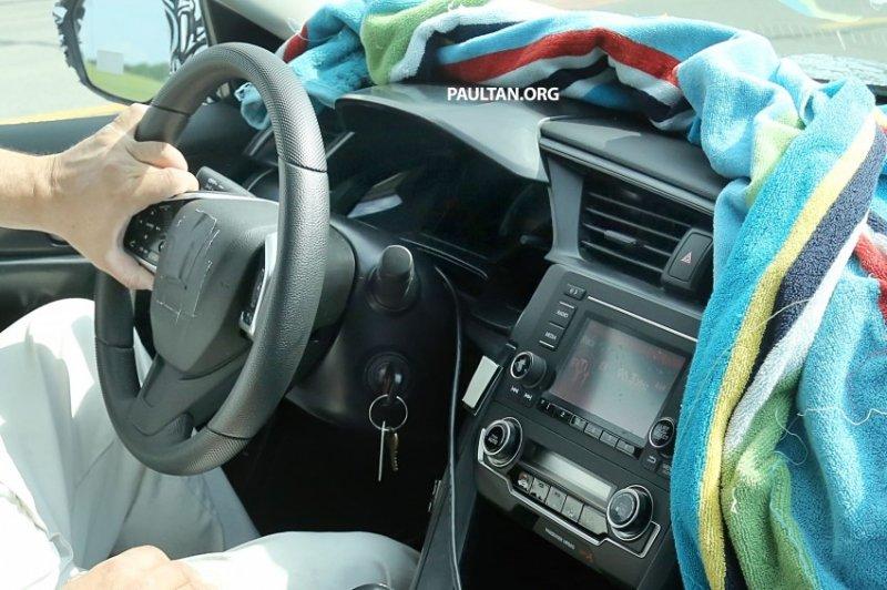 hondacivicint03850x566 1434106107 Bất ngờ Honda Civic mới lộ ảnh nội thất trên đường thử