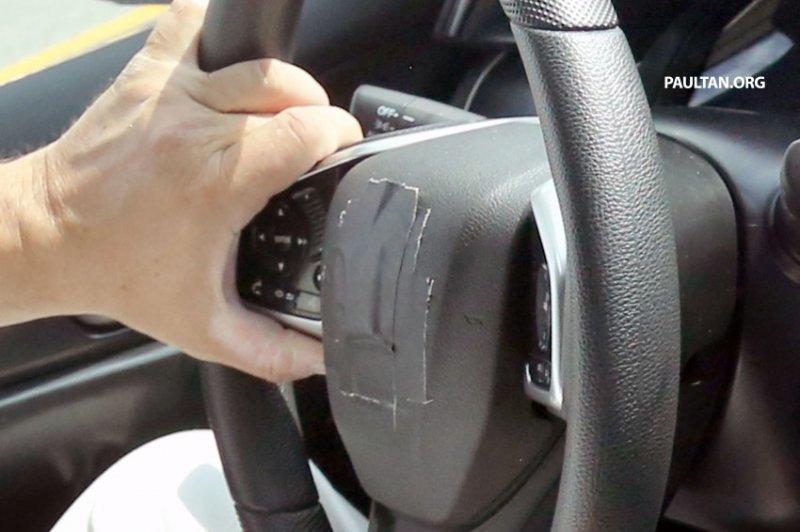 hondacivicint06850x566 1434106186 Bất ngờ Honda Civic mới lộ ảnh nội thất trên đường thử