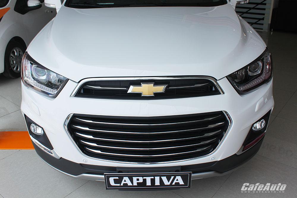 Chevrolet-Captiva-2016-voi-luoi-tan-nhiet-ben-duoi-va-o-tan-nhiet