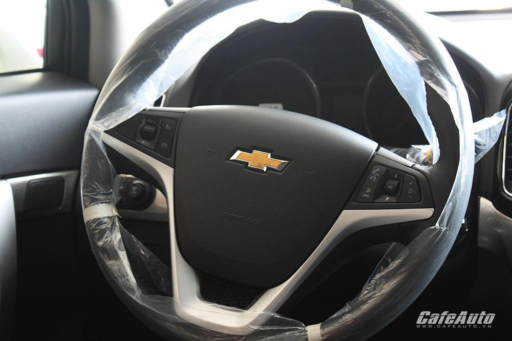Chevrolet-Captiva-2016-he-thong-ghe-ngoi-duoc-boc-da