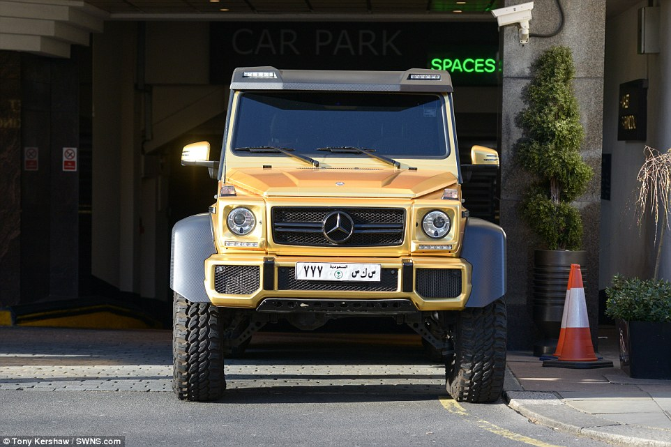 xe-6-banh-Mercedes-G63