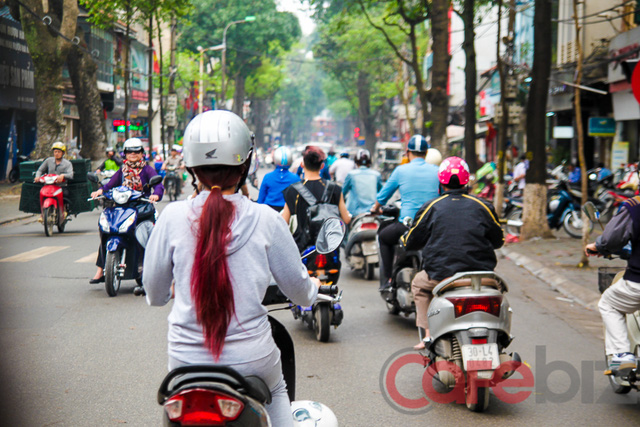 7-thói-quen-xấu-nguy-hiểm-người-Việt-mắc-phải-khi-đi-xe-máy