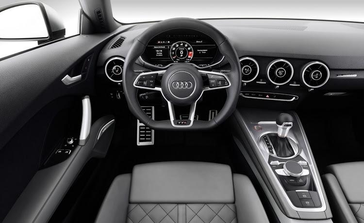 Audi-TTS-2016