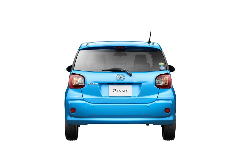 Soi-chi-tiết xe-Toyota-chỉ-ngốn-3.5 lít-xăng-100km