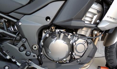 Kawasaki-Versys-1000-01