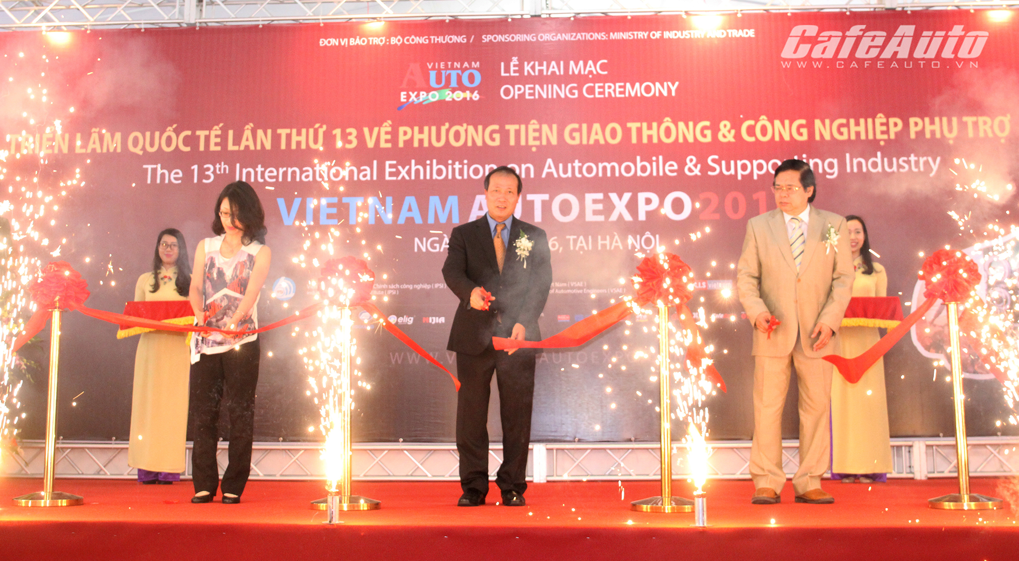 khai-mac-trien-lam-quoc-te-vietnam-autoexpo-2016
