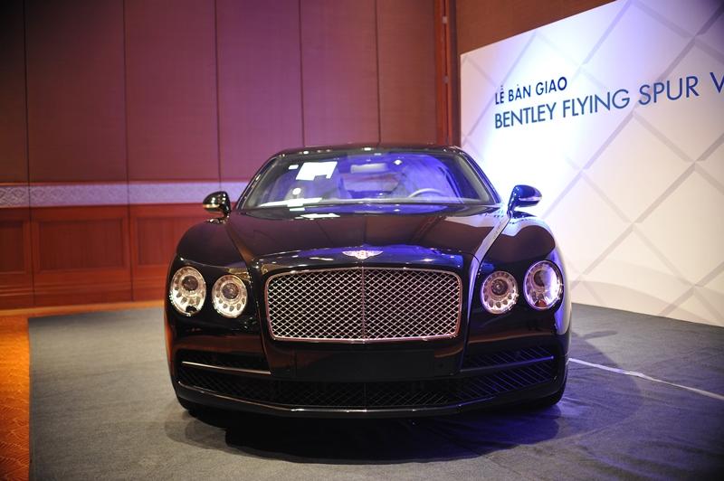 Bentley-Flying-Spur-chính-hãng-thứ-5-đến-tay-khách-hàng