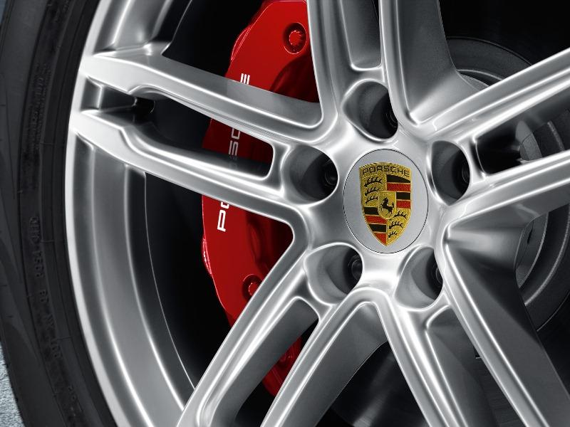 Porsche-ưu-đãi-20%-giái-gói-phụ-kiện-chính-hãng-cho-Macan