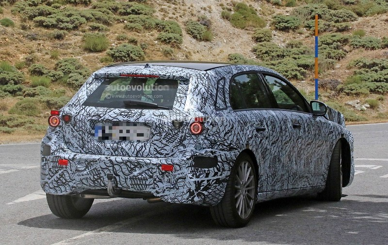 Mercedes-Benz-A-Class-2018-sẽ-có-khả-năng-tự-lái