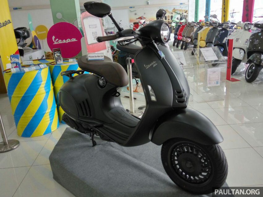 vespa-946-emporio-armani-2016-co-gia-372-trieu-dong-tai-malaysia