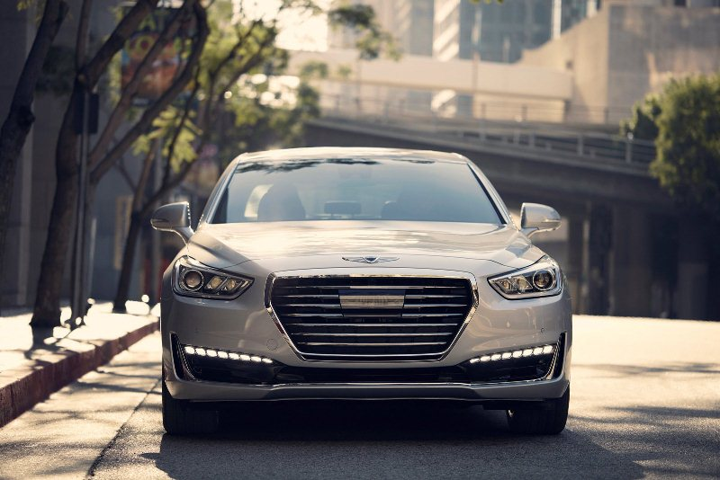 sedan-hang-sang-genesis-g90-2017-gia-tu-69-050-usd