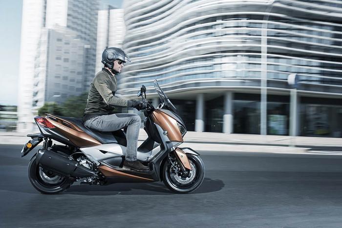 yamaha-ra-mat-scooter-x-max-300