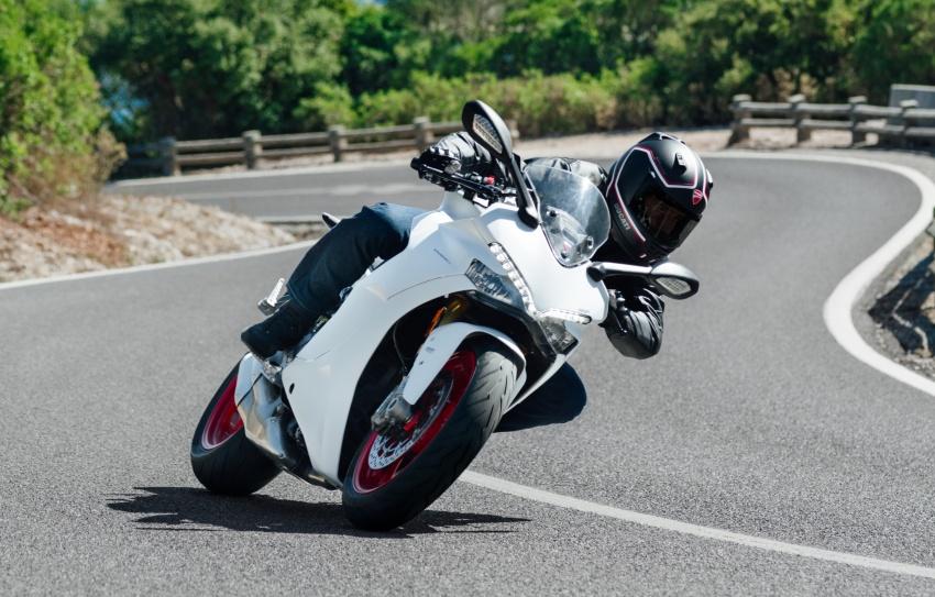 ducati-supersport-2017-mau-xe-dep-nhat-tai-tai-eicma