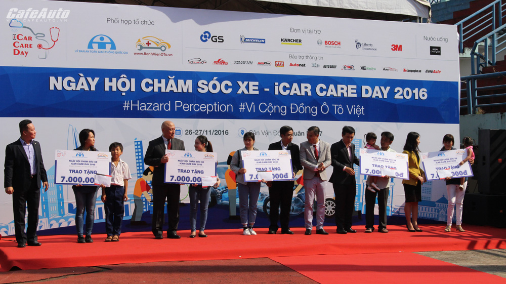hon-400-xe-o-to-duoc-cham-soc-tai-ngay-hoi-icar-care-day-2016