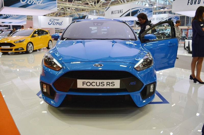 ford-focus-rs-the-he-moi-ra-mat