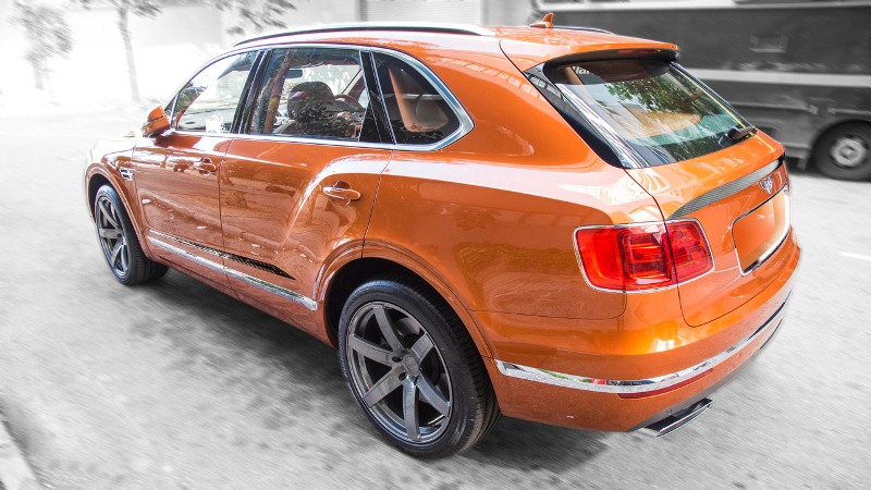 dmc-do-bentley-bentayga-manh-toi-700-ma-luc